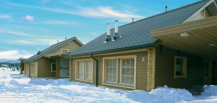 finland_lapland_yllas_villa_armas_cabins_deep_snow.jpg